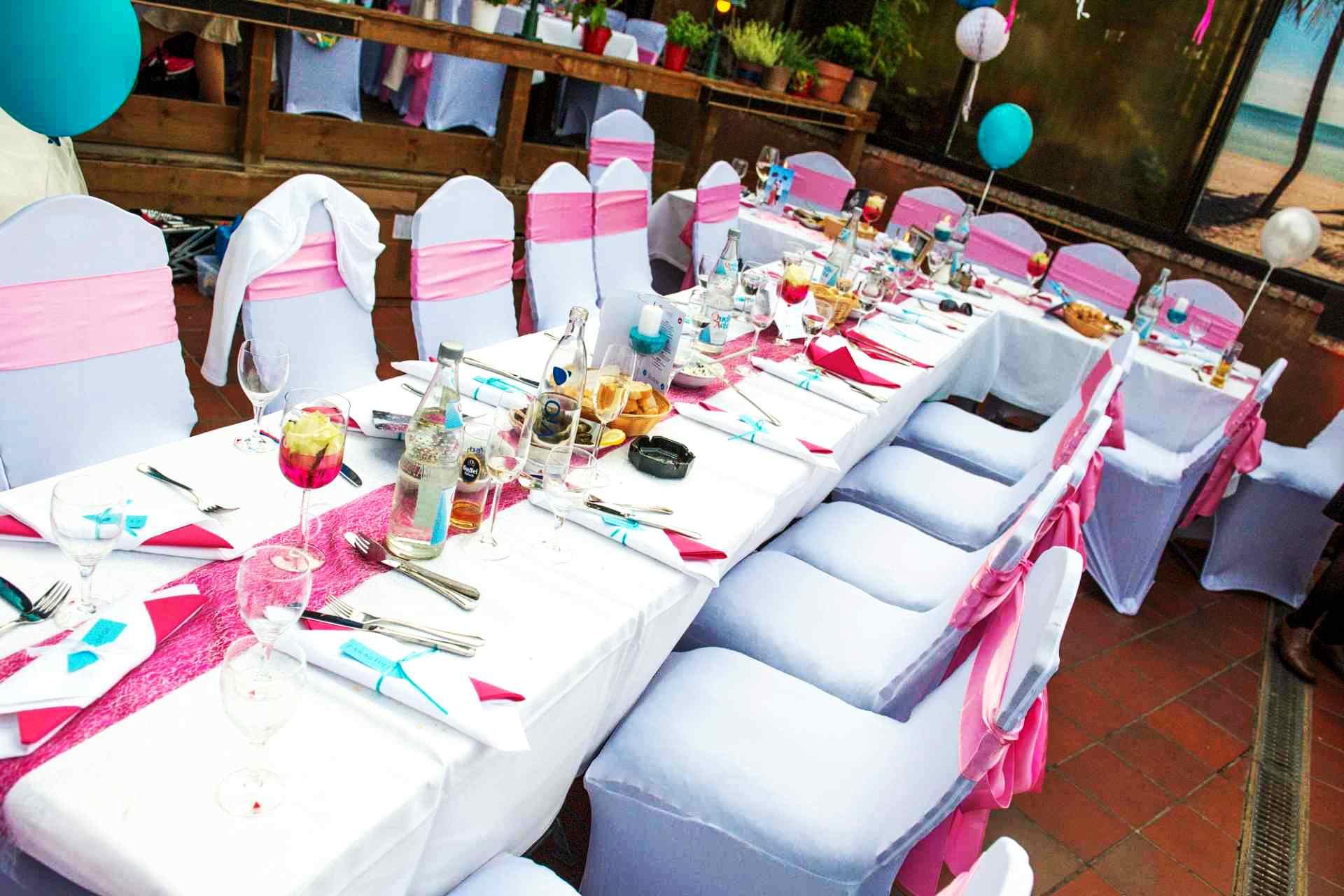 Sneakerhochzeit Deko Tisch Pink