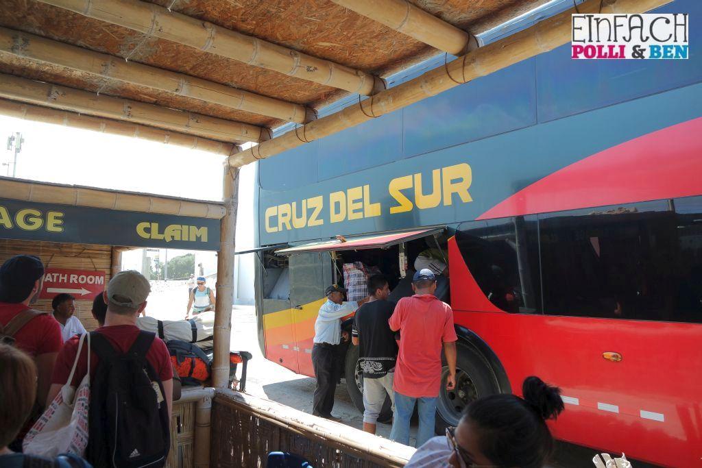 Cruz del Sur Peru Bus
